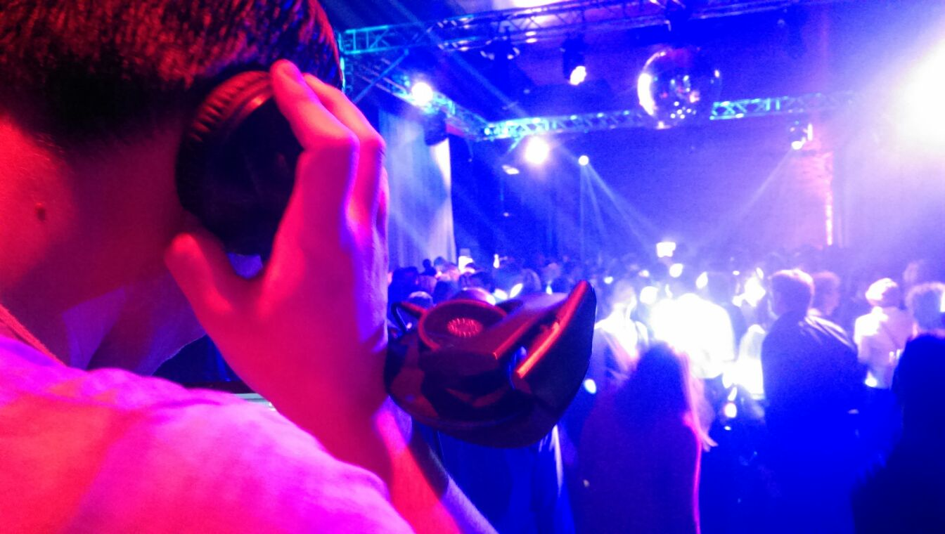 Aw-Audio. DJ - Hochzeits DJ und Event DJ