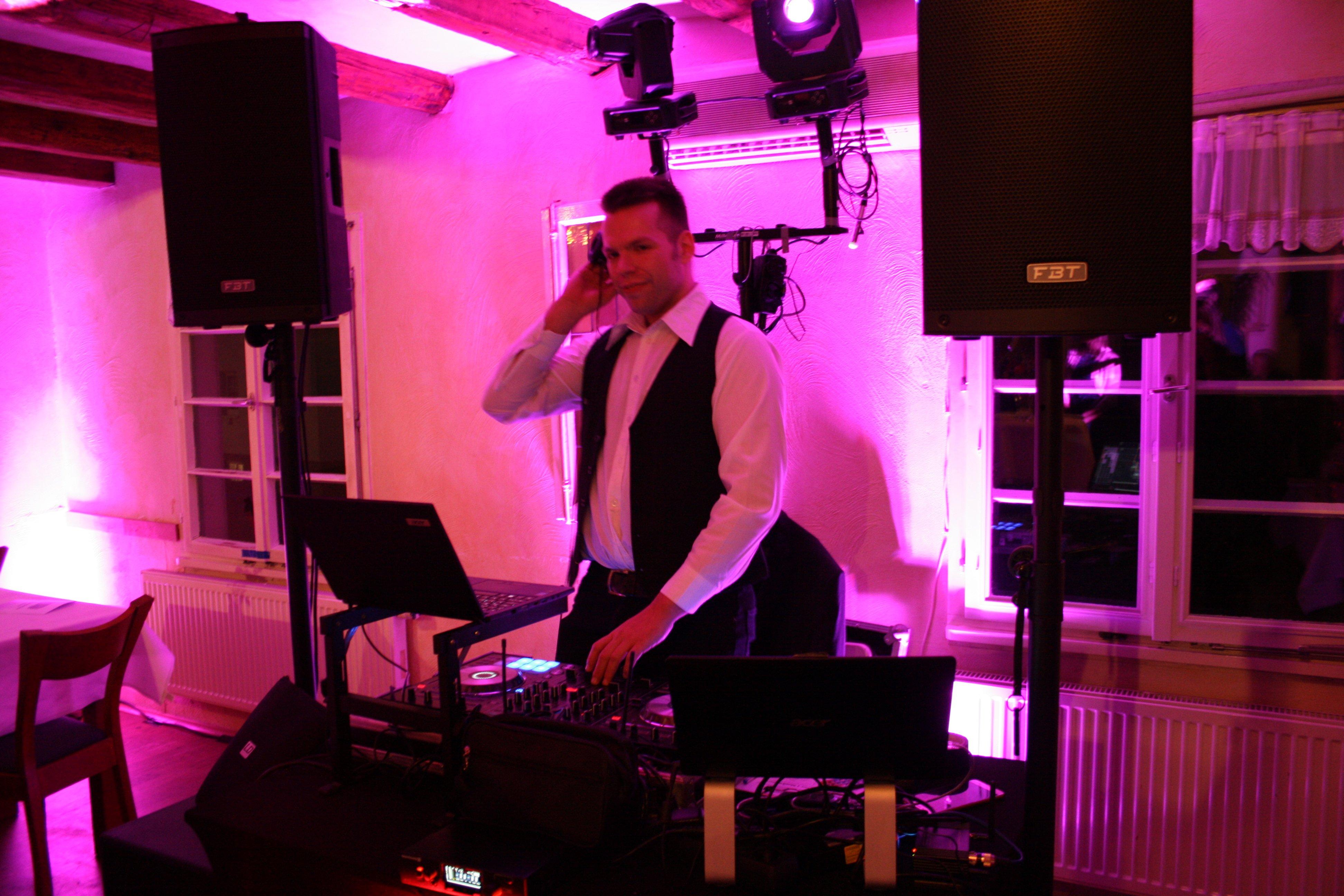 Hochzeits Technik des DJs