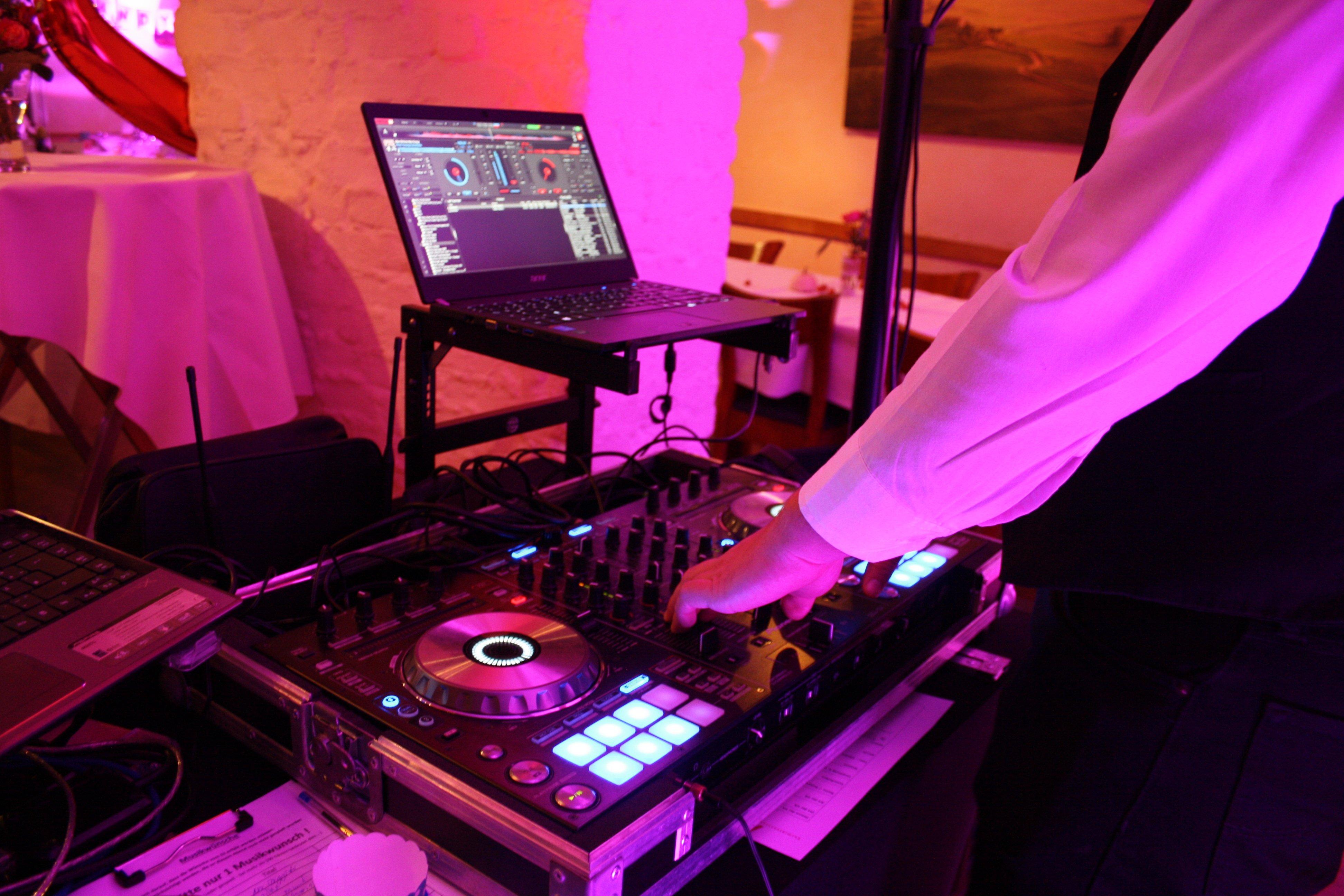 Professionell auflegen mit Aw-audio.DJ 4