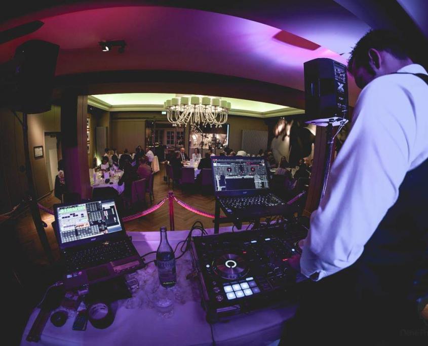 DJ Bergisch Gladbach, Kölner DJ, DJ Arne Winter für Hochzeiten und Events